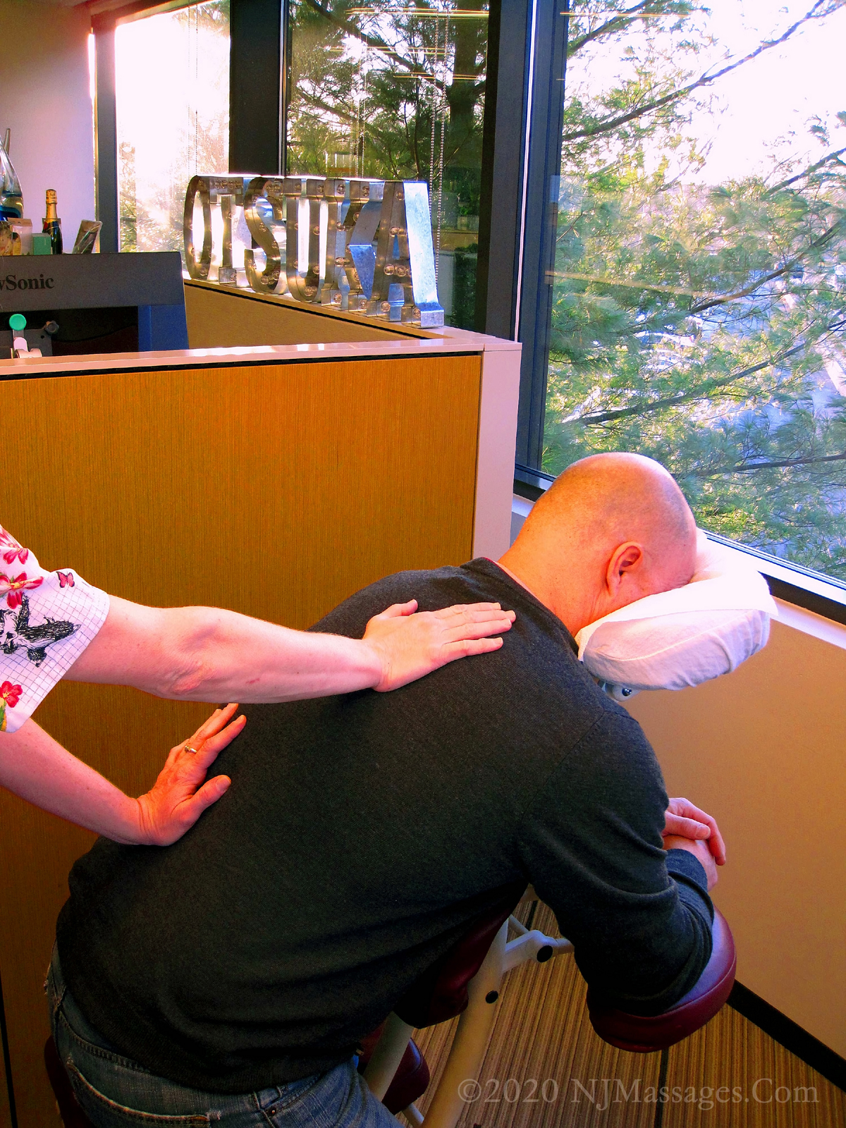Pharmaceutical Employee Receives Chair Massage